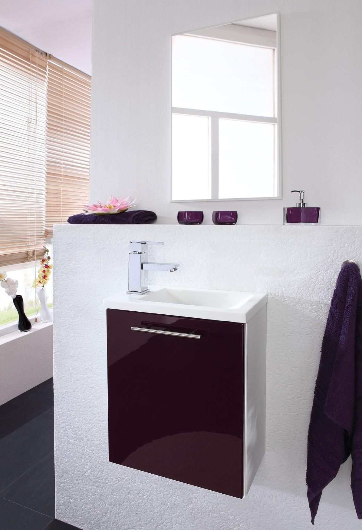 badm bel set alexo mit waschplatz 2 teilig hochglanz brombeer wei bad badm belsets. Black Bedroom Furniture Sets. Home Design Ideas