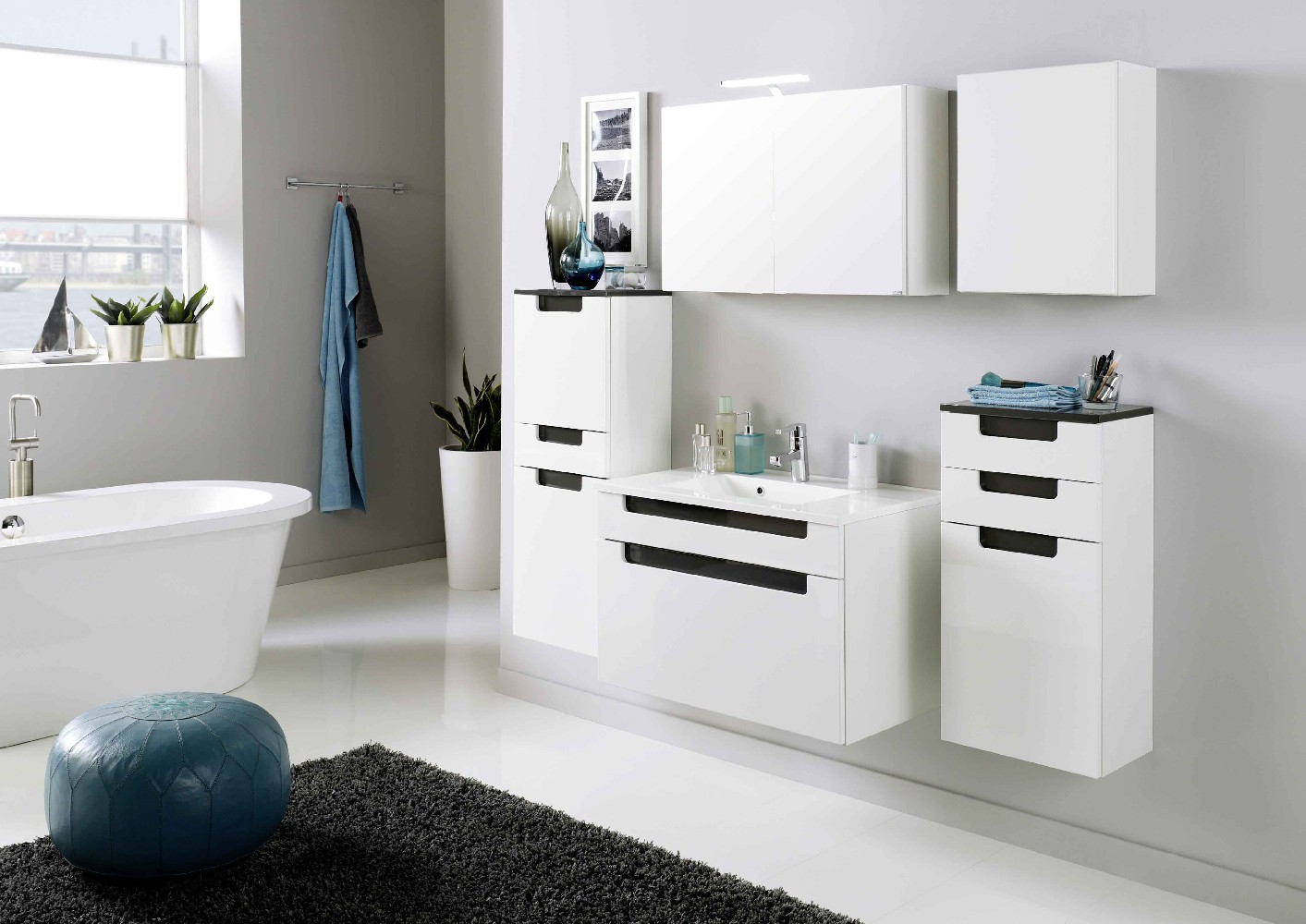 bad hochschrank siena 2 t rig 1 schublade 40 cm breit hochglanz wei anthrazit grau bad. Black Bedroom Furniture Sets. Home Design Ideas