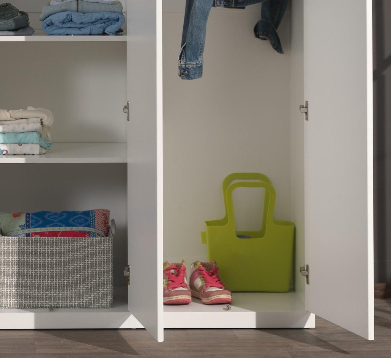 kleiderschrank lara 3 t rig wei kinder jugendzimmer lara. Black Bedroom Furniture Sets. Home Design Ideas
